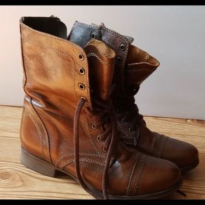 Steve Madden  Troopa - Leather - Size 9.